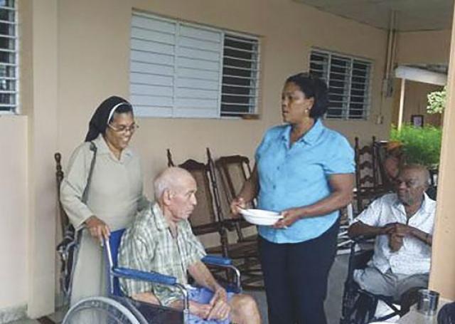 Hogar para ancianos la sant sima trinidad casa que protege y ayuda a envejecientes de moca - Casa para ancianos ...