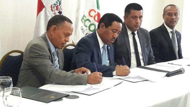 Comedores Económicos y Hospital Marcelino Vélez firman acuerdo